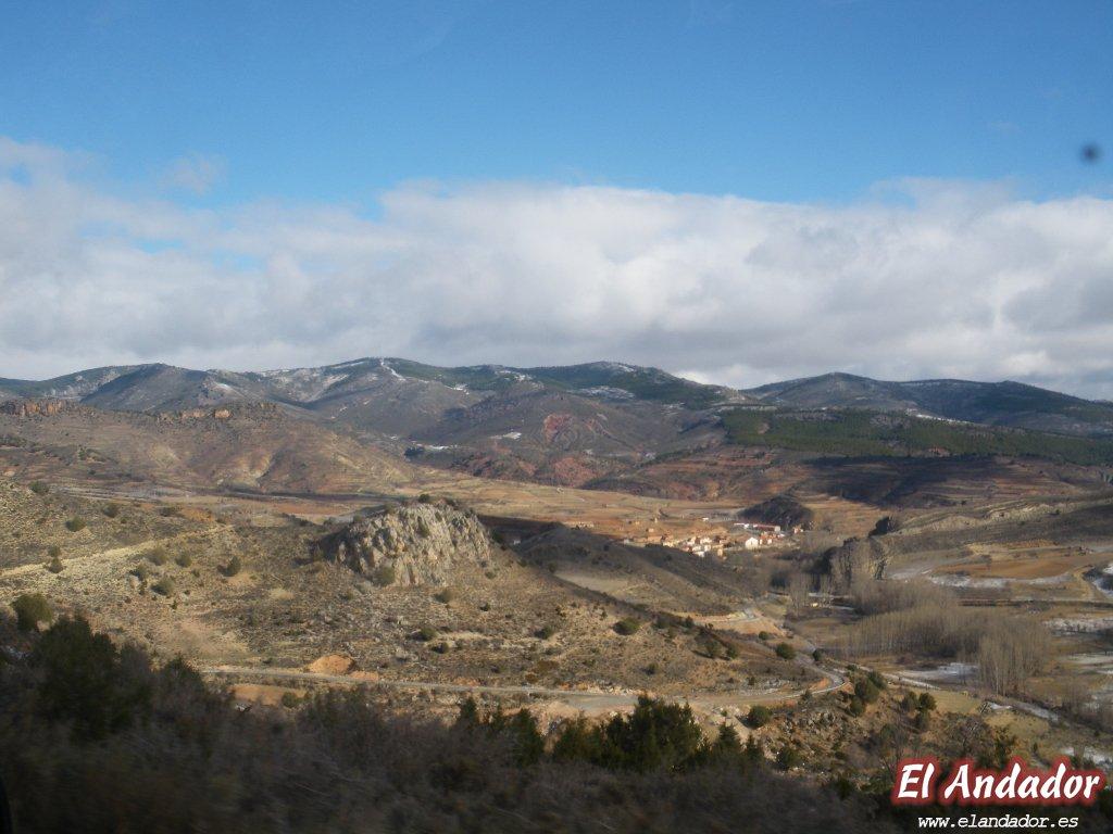 Vista panorámica hacia Tramacastilla  - ANDADOR VISITAS GUIADAS