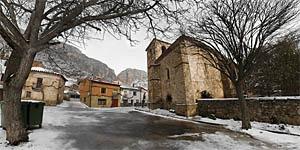 Calomarde nevado. A 17 km de Albarracín.