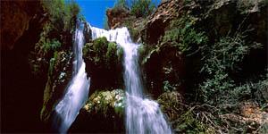 Cascada batida de Calomarde. A 14 km de Albarracín.