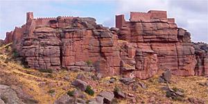 Castillo de Peracense. Vista sur. A 41 km de Albarracín.