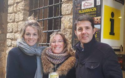 Jesús Cintora y Rocío Delgado con ANDADOR Visitas Guiadas en la visita de Albarracín y Casa Museo