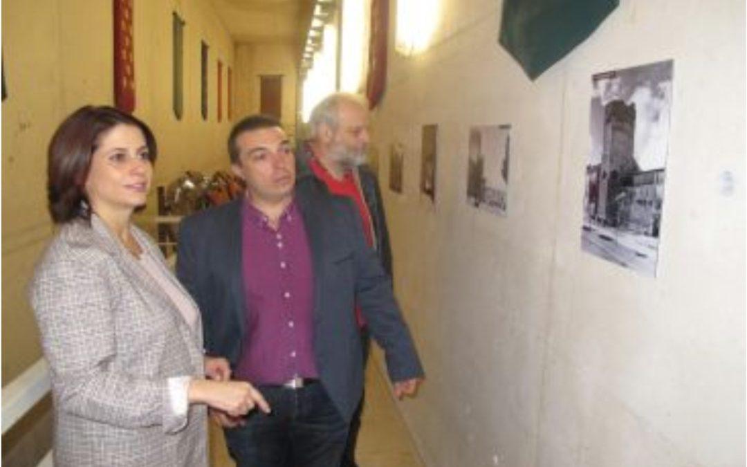 Noticia Diario de Teruel: La Muralla de Teruel exhibe su evolución en el último siglo en una exposición con 20 fotografías