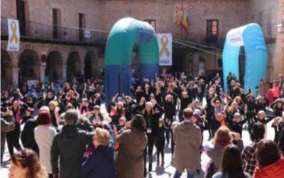 NOTICIA Diario de Teruel: Albarracín se vuelca con Aspanoa con un mercadillo solidario, música y deporte