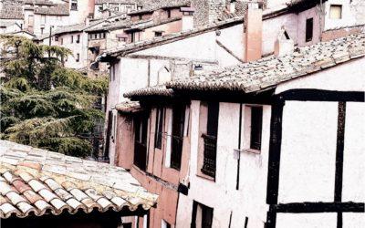 #PaisajesQueEnamoran durante la #VisitaGuiada en #Albarracin + #CasaMuseoAlbarracin y #Teruel….te esperamos www.elandadoralbarracin.es