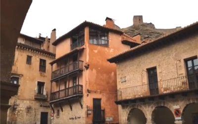Plaza Mayor de Albarracín en el Domingo de Resurrección – De visita guiada en Albarracín con ANDADOR Visitas Guiadas