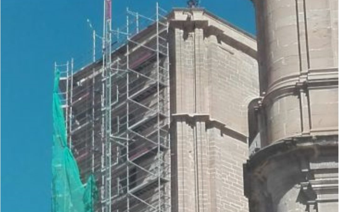 Noticia Diario de Teruel: Patrimonio permitirá que la torre de las campanas de Alcañiz luzca sus elementos góticos