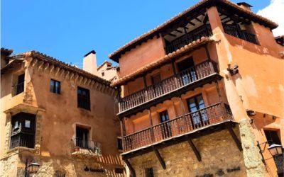 #PlazaMayor de #Albarracín con #Sol ideal para #VisitaGuiada…#TeEsperamos con #AndadorVisitasGuiadas