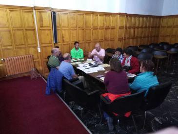 Noticia Diario de Teruel: Impulsan la creación de una asociación vecinal en la comarca de la Sierra de Albarracín