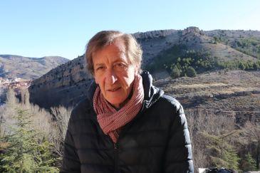 """Noticia Diario de Teruel: – Eloy Moreno: """"Disfruto mucho reproduciendo mi pueblo, Albarracín, en el belén"""""""