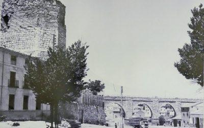 Noticia Eco de Teruel: Foto del día:El Torreón de la Bombardera y la Ronda en los años 50