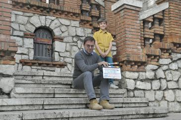 Noticia Diario de Teruel: 800 personas participarán este martes en el Teatro Marín en el rodaje de 'Otros Mundos', la serie de Javier Sierra