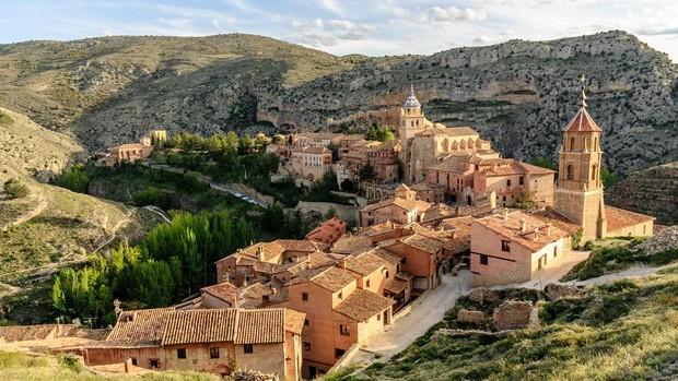 Noticia ABC: Seis bellísimos pueblos de España perfectos para el turismo familiar