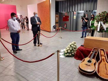 Noticia Diario de Teruel: La DPT concederá la Cruz de San Jorge a Joaquín Carbonell a título póstumo